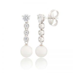 Pendiente Lubel, Mull con circonitas y perlas de agua dulce en plata con baño de rodio, paladio y platino. lubeljoyeria.com